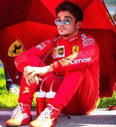 It's a race week! F1 Drivers, F 1, Wedding Humor, Formula One, Sport Cars, Monaco, Celebrity Crush, Grand Prix, Ronald Mcdonald