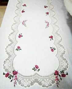 Elegance of fabric and lace Christmas Embroidery Patterns, Embroidery Patterns Free, Embroidery For Beginners, Cross Stitch Patterns, Crochet Patterns, Cross Stitch Rose, Cross Stitch Flowers, Hardanger Embroidery, Hand Embroidery