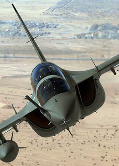 http://www.aleniaaermacchi.it/products-prodotti/training-system-sistema-di-addrestramento/trainer-aircraft-addestratori/m-346