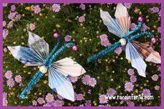 Hoy os enseñamos cómo hacer un regalo de boda o cumpleaños fácil y original.  http://www.racoinfantil.com/manualidades/mariposa-con-billetes/