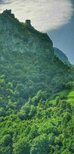 Hisar Fortress, Prokuplje Прокупачки ГрадилиХисар (ранијеХамеум,КомплосиТоплица) јетврђава у Србијиоко које се развило данашњеПрокупље. Cмеш... - Katarina Kaća - Google+