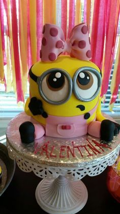 Birthday Cakes Waukesha Girl Minion Birthday Cake Cakes Best Minions Images On Drangs And Bobs Kids C D A 3rd Birthday Cakes, Minion Birthday, Birthday Fun, Minion Torte, Bolo Minion, Girl Minion Cake, Pastel Minion, Despicable Me Cake, Mom Cake