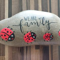Stone lucky charm Glücksstein/Wish stone fly fungus, lucky beetle, clover leaf guest gift gift table decoration painted hand painted - Modern Design Painted Rock Animals, Painted Rocks Craft, Hand Painted Rocks, Painted Stones, Rock Painting Patterns, Rock Painting Ideas Easy, Rock Painting Designs, Pebble Painting, Pebble Art