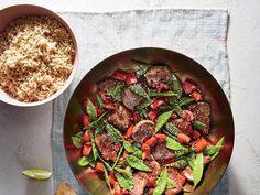 Pork Stir-Fry with Snow Peas Pea Recipes, Dinner Recipes, Cooking Light, Slow Cooking, Pork Stir Fry, Healthy Snacks, Healthy Recipes, Snow Peas, Fresh Salsa