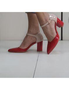 Décolleté rosso con tacco tacco doppio e comodo e cinturino alla caviglia bicolore Made in Italy Heels, Fashion, Heel, Moda, Fashion Styles, High Heel, Fashion Illustrations, Stiletto Heels, High Heels