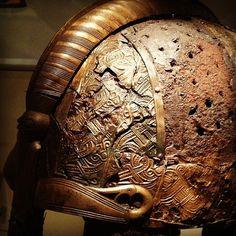 Detail, viking helmet. Museum Gustavianum, Uppsala University. ---------------------------------------------------------------------------------------------------------------------------------------------------------------------------------------------------(Viking Blog (copy/paste) elDrakkar.blogspot.com)