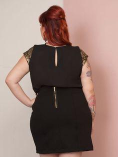 Saias Plus Size são sempre muito atuais, nunca saem de moda. Garante charme e sensualidade à mulher. Escolha o modelo de SAIA que mais combina com você!