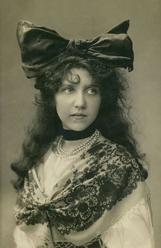 Women's Beauty Captured 100 Years Ago In Vintage Postcards From ...