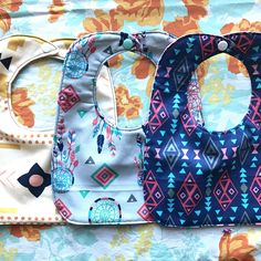 HOw to sew a simple baby bib. Free pattern and video tutorial