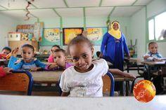 Petit sourire à la garderie de Haroune ! Association Enfants du désert
