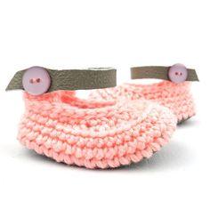 Grapefruit Raspberriez soft soled baby shoes Baby shoes - baby shower gifts -- new baby gift - baby clothing - gifts under $30 - gifts under $50 - pregnacy announcement #Newborngifts, #newborn #baby #babyboy, #babygirl, #genderneutral #genderreveal, #babyclothes, #handmade, #shopsmall, #organicbaby, #cutebabyclothes #babyshoes #babyboots #tweed #handmadebabyclothes #bohobaby #mountainbaby #washingtonbaby #oregonbaby #pnwbaby #eastcoastbaby #westcoastbaby #trendybaby #momblogger #mommyblogger