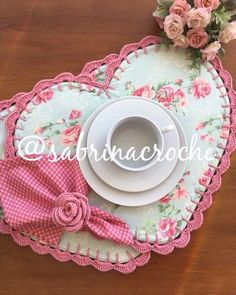 Sewing Projects, Projects To Try, Sewing Crafts, Home Crafts, Diy Crafts, Crochet Decoration, Mug Rugs, Fabric Crafts, Preschool Crafts