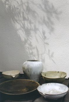Love the colour and workmanship of these pieces of japanese pottery #Japanese #Pottery
