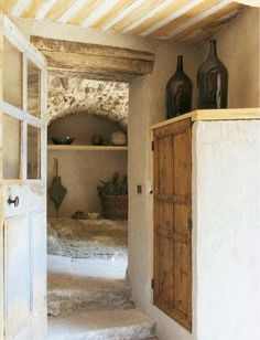 France Provence Style back door entrance and mud room. Old Cottage, French Country Cottage, French Country Style, French Farmhouse, Provence Interior, Design My Kitchen, Home Design, Interior Design, Estilo Shabby Chic