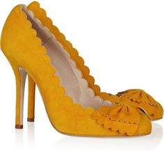 Scalloped Suede Pumps | Oscar de la Renta