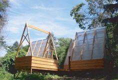 moskow linn architects: swamp hut