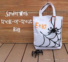 DIY Halloween : DIY Spiderweb Trick-or-Treat Bag