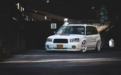Обои tuning, japan, low, face, white, wheels, sti, forester, front, subaru, turbo, stance, jdm