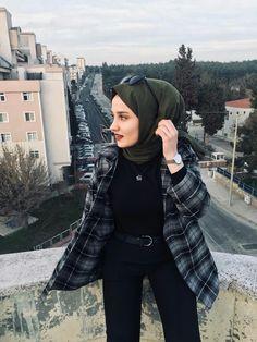 Modern Hijab Fashion, Street Hijab Fashion, Muslim Fashion, Modest Fashion, Fashion Outfits, Casual Hijab Outfit, Hijab Chic, Casual Outfits, Hijab Mode