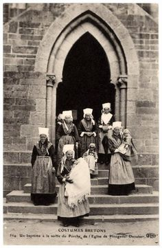 Costumes Bretons - A Baptism - Leaving the church at Plougastel-Daoulos - Finistère dept. Vintage Pictures, Old Pictures, Old Photos, Celtic, Special Of The Day, Photo Bretagne, European Costumes, Cave Drawings, Charles Perrault
