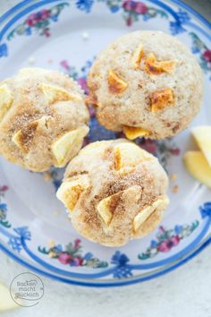 pops how to make Einfache saftige Apfel-Cakes mit Joghurt Snack Recipes, Dessert Recipes, Desserts, Keto Apple Recipes, Easter Recipes, Yogurt, Streusel Muffins, Easter Dinner, Evening Meals