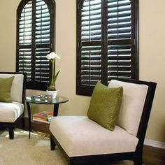 Arched window plantation shutter