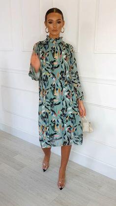 Lina High Neck Midi Shift Dress at ikrush Chic Outfits, Dress Outfits, Fashion Dresses, Dress Up, Elegant Dresses, Casual Dresses, Mode Instagram, Modelos Fashion, Elegantes Outfit
