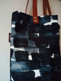 facebook.com/espaidebosses #handmadebags #canvas #bags #leather bags