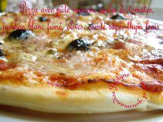 Pizza pâte maison, coulis maison, jambon blanc fumé à la coupe, thym frais, comté râpé