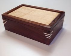 DIY Jewelry Box - A jewelry box is a container for lovely and also precious trea. - DIY Jewelry Box – A jewelry box is a container for lovely and also precious treasures. Small Woodworking Projects, Woodworking Box, Woodworking Workshop, Woodworking Equipment, Woodworking Patterns, Woodworking Magazine, Woodworking Supplies, Woodworking Classes, Woodworking Videos