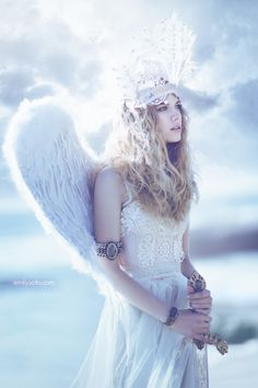 Angel    treasuredkeepsakes:    Heaven's Sword by *EmilySoto @my.deviantart.com