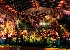 In dieser mobilen Eventlocation stimmte alles: Die Größe, die Inszenierung, das Licht, die Deko und natürlich die Gäste!