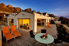 Beautiful Beta Close 728 with gorgeous uninterrupted views of Lion's Head situated as close to the sea as possible in Cape Town
