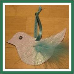Peace:) simple paper, glitter, sequin, feather - dove of peace - turnaround xmas craft Christmas Ornament Crafts, Christmas Crafts For Kids, Christmas Activities, Kids Christmas, Holiday Crafts, Christmas Decorations, Stage Decorations, Xmax, Peace Dove