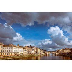 Clouds above Arno river  #perlestradedifirenze #igworldclub #igs_europe #tuscany #toscane #igersitalia #superhubs #wanderlust #picture_to_keep #travel #traveling #instatravel #instago #instagood #photooftheday #tourism #igtravel #travelingram #travelgram #tagsta_travel