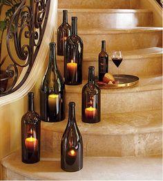 garrafas de vinho/cerveja gigantes com vela dentro