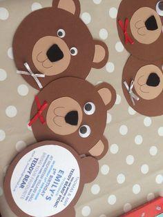 Teddy Bears Picnic invite for first birthday ((photo only)) Diy Teddy Bear, Teddy Bear Birthday, Teddy Bear Baby Shower, Teddy Bears, Picnic Birthday, 1st Birthday Parties, Birthday Ideas, Build A Bear Party, First Birthdays