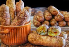 ΜΑΓΕΙΡΙΚΗ ΚΑΙ ΣΥΝΤΑΓΕΣ 2: Πιροσκί ή περέσκια !!!! Diet Recipes, Vegan Recipes, Kitchen Living, Pretzel Bites, Sausage, Muffin, Lunch, Bread, Dining