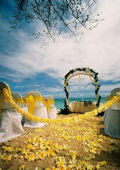 Oahu beach ceremony
