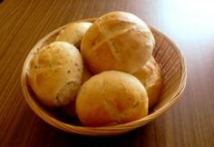 Házi magvas zsemle | NOSALTY Stromboli, Bread Recipes, Super Easy, Hamburger, Muffin, Potatoes, Vegetables, Breakfast, Pains