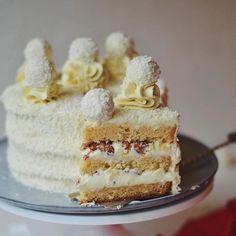 Bakery Recipes, Easy Cake Recipes, Bakery Cakes, Food Cakes, Wedding Buffet Food, Inside Cake, Honey Cake, Bread Cake, Cake Ingredients