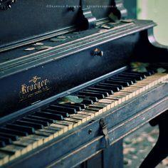 Abandoned Piano. I will come rescue you!!