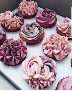 Ideas For Cupcakes Decoration For Girls Baby Shower Sweets Pretty Cakes, Beautiful Cakes, Amazing Cakes, Beautiful Desserts, Cheesecake Cupcakes, Pink Cupcakes, Buttercream Cupcakes, Flower Cupcakes, Strawberry Cupcakes
