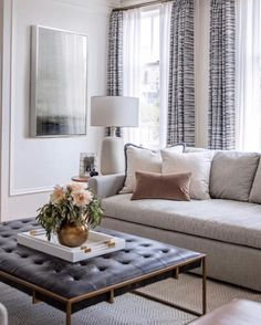 Rachel Madden revives a 100 year old apartment in San Francisco Rue Cozy Living Rooms, Living Room Modern, Home Living Room, Interior Design Living Room, Living Room Designs, Living Room Decor Traditional, Living Room Decor Gold, Living Room With Windows, Living Room White Walls