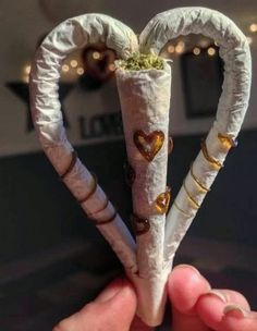 The love joint Pinned by Fun Weed Pics Blunt Art, Arte Dope, Puff And Pass, Pipes And Bongs, Stoner Girl, Buy Weed, Weed Shop, Smoking Weed, Girl Smoking