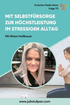 Mein Interviewgast Miriam Hoffbauer ist Ganzheitlicher Gesundheits- und Ernährungscoach und Flow Coach. Sie arbeitet mit ihren Klientinnen am Thema Selbstfürsorge. Was jetzt vielleicht im ersten Moment komisch klingt ist das zentrale Element für jede Art von Höchstleistung. Nur wer sich um sich selbst sorgt, kann in weiterer Folge für andere da sein und zur besten Version von sich selbst werden. Jetzt anhören! Moment, Interview, Tulips, Weird, Paleo Food