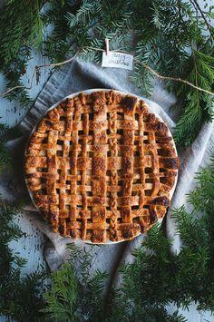 Chai Apple Pie | Hint of Vanilla