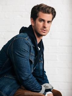 Male Fashion Trends: Andrew Garfield para Mr. Porter por Brian W. Ferry