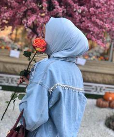 Muslim Girls, Muslim Women, Stylish Girls Photos, Girl Photos, Hijab Fashion, Fashion Outfits, Hijab Cartoon, Innocent Girl, Islamic Girl