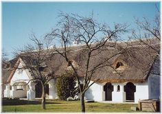 Szentbékkálla Vernacular Architecture, Thatched Roof, Wide Plank, How Beautiful, Countryside, Places To Visit, Earth, Culture, Rustic